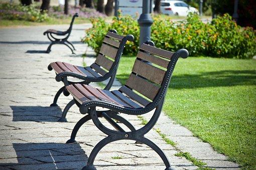 bench-3515937__340